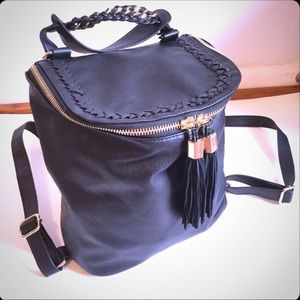 ⬇️PRICE-BLACK LEATHER BACKPACK 🎒